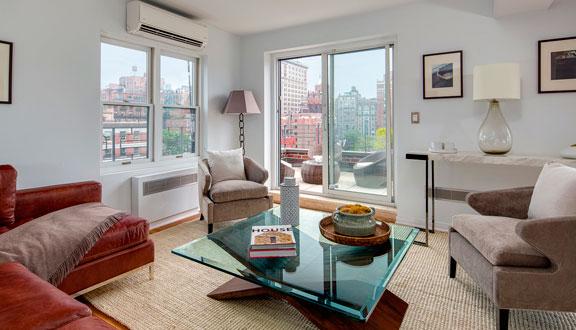 Pequeña sala de estar del ático de Julia Roberts en Nueva York